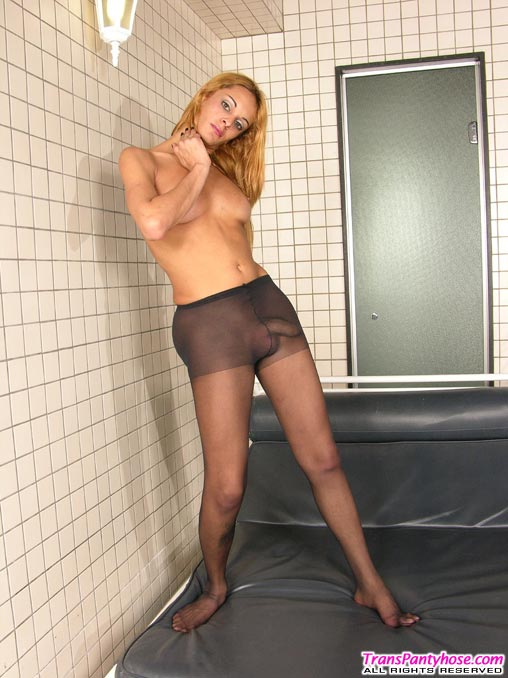 strapon Shemale pantyhose